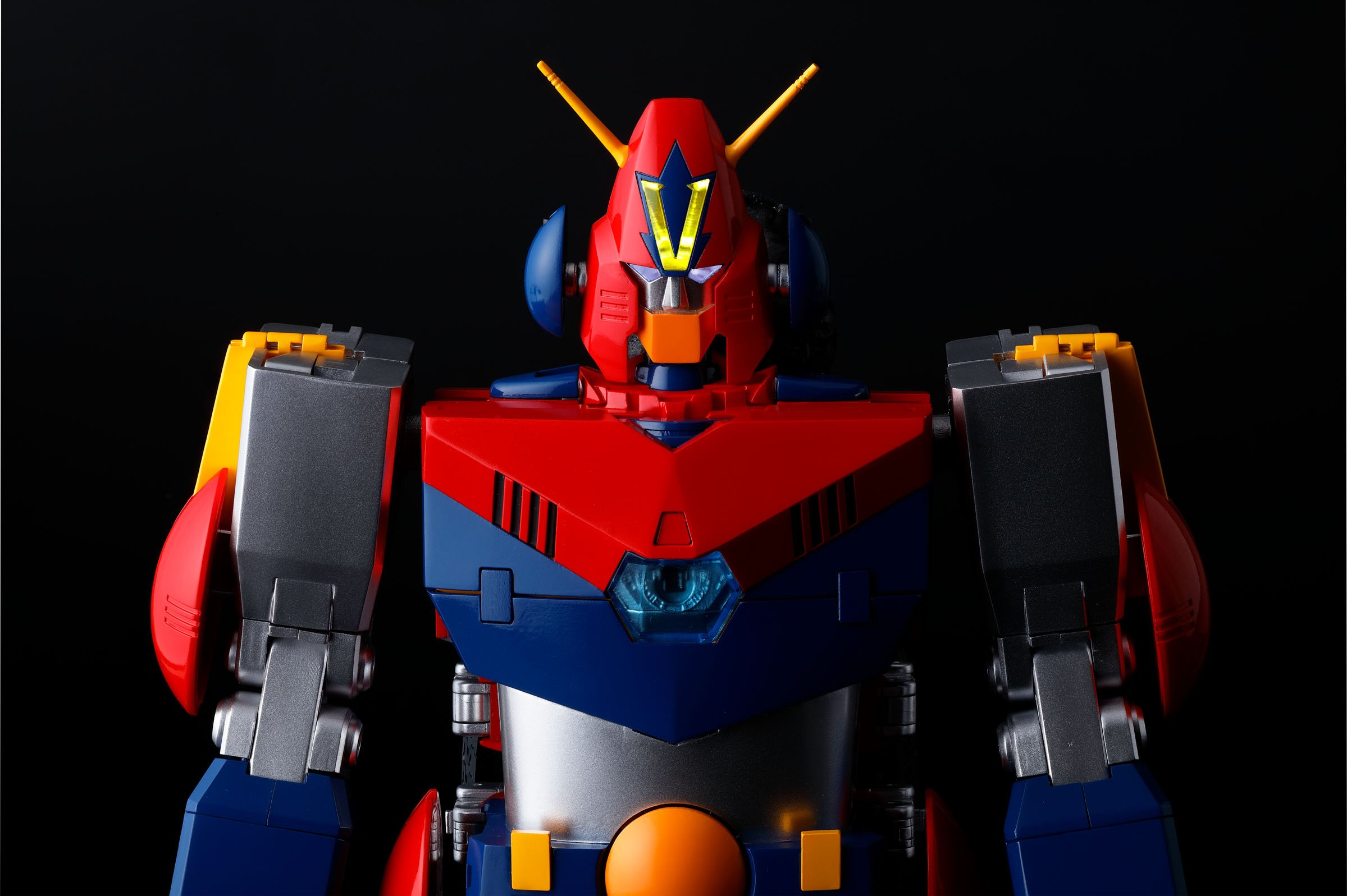 DX Soul of Chogokin COM-BATTLER V